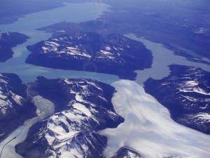 Lodowiec Perito Moreno - jeden z niewielu na świecie, który wciąż rośnie (długość 14 km, wysokość ok. 60 m npm)