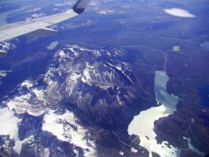 Torres del Paine - Chilijczycy muszą być naprawdę dumni ze swoich wierz Del Paine – pilot nawet zapowiedział widoki chwile przed delikatnym skrętem w prawo :)