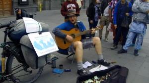Rafał na Plaza de Armas (Santiago)